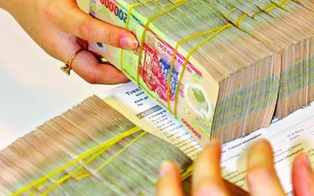 Bán khoản phải thu từ hợp đồng cho thuê tài chính