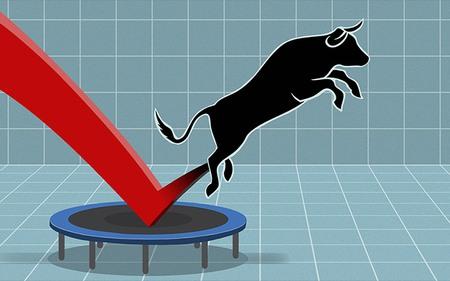 HAR tiếp tục giảm sàn, VnIndex thăng hoa nhờ cổ phiếu ngân hàng