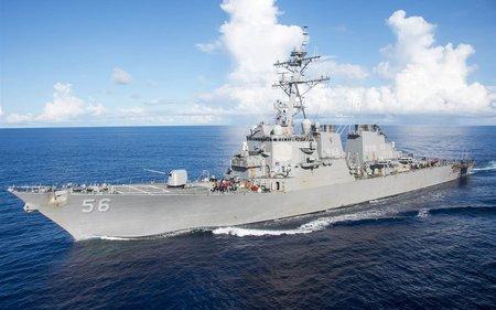 Tàu chiến Mỹ lại đâm phải tàu hàng, 10 thủy thủ mất tích
