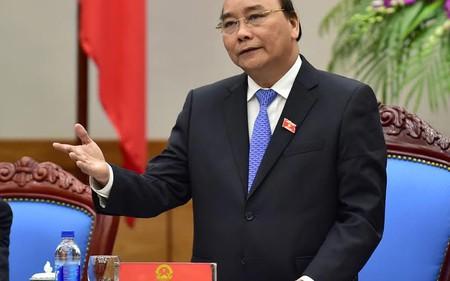 Thủ tướng yêu cầu xử lý rào cản, cắt giảm tối đa các khoản chi phí cho doanh nghiệp