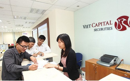 Chứng khoán Bản Việt tuyển nhân viên môi giới