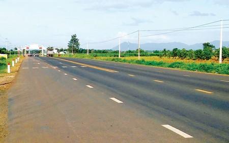 Bộ GTVT nói gì về đoạn đường 8 km đã tính thu phí BOT?