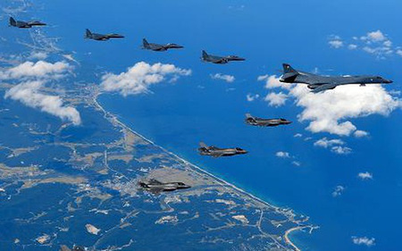 Máy bay ném bom Mỹ đã nhận lệnh áp sát Triều Tiên nhất trong vòng 100 năm qua