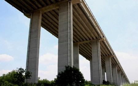 Bí thư Nguyễn Thiện Nhân hoài nghi tiến độ các dự án giao thông trọng điểm
