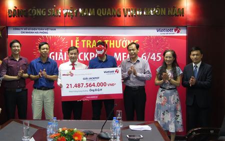 Vietlott trao giải Jackpot hơn 21 tỷ cho khách hàng đến từ Hà Nội
