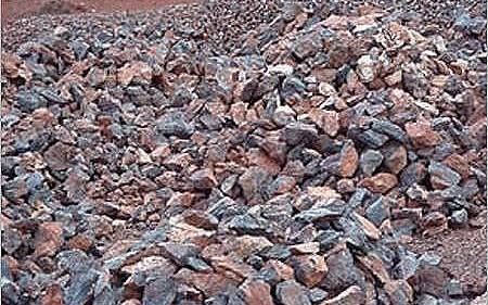 Giá quặng sắt liên tục giảm