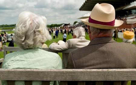 Chuyên gia tài chính tiết lộ 5 sai lầm tiền bạc hầu hết mọi người đều mắc phải khiến họ không thể nghỉ hưu sớm