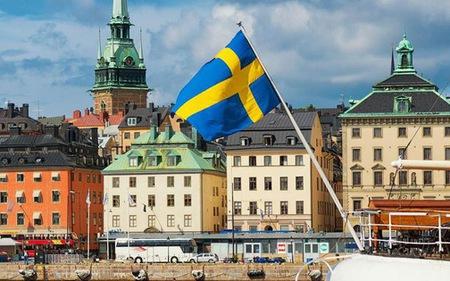 """Thụy Điển """"đau đầu"""" vì quá nhiều tiền"""