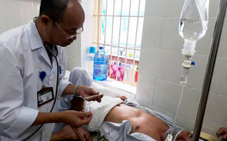 Vào mùa sốt xuất huyết, bác sĩ cảnh báo biến chứng suy thận, gan