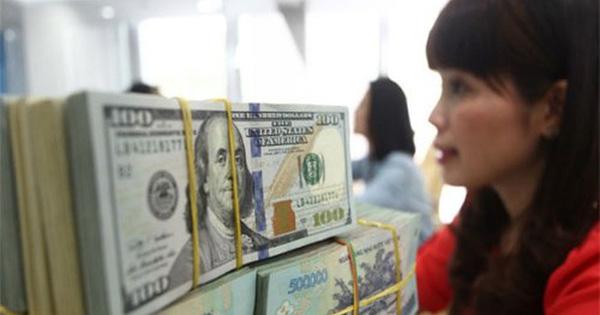 Thị trường tiền tệ bất ngờ đảo chiều do đâu?