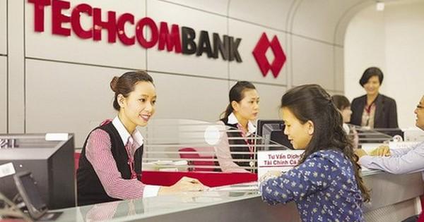 """Lương thưởng của nhân viên ngân hàng VietinBank và BIDV đã """"thua"""" Techcombank, VPBank"""