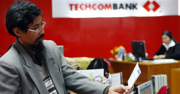 Techcombank muốn mua lại cổ phần làm cổ phiếu quỹ, HSBC có thể thoái đầu tư