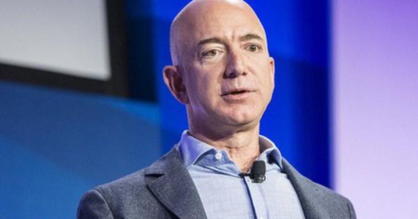 Cấm tiệt PowerPoint trong họp hành và thay bằng bản tường thuật, cách quản lý của kỳ quặc của Jeff Bezos hiệu quả ...