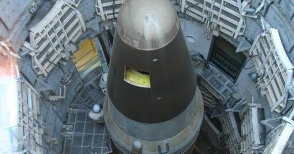 """Lo bị thiệt, Trung Quốc cảnh báo Mỹ """"nghĩ kỹ"""" trước khi rút khỏi Hiệp ước hạt nhân"""
