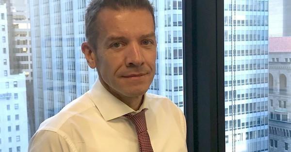 Lối sống đáng kinh ngạc của Giám đốc điều hành Deutsche Bank: Công tác 10 ngày mỗi tháng, tập thể thao 2 lần mỗi ngày
