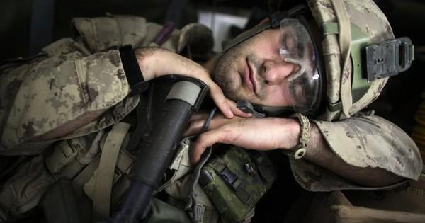 Kĩ thuật giúp 96% lính Mỹ ngủ trong vòng 2 phút: Làm được thì sức khỏe nâng cao, cuộc sống cải thiện!