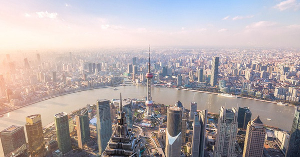 """""""Rồng"""" Trung Quốc đang mắc kẹt trong tham vọng số 1 thế giới: Nền kinh tế mất đà, không còn nhiều lựa chọn để kích thích tăng trưởng và còn bị thiệt hại nặng vì thuế quan"""