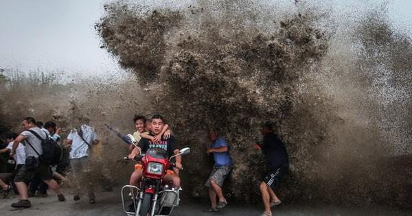 Trung Quốc để mặc làn sóng vỡ nợ trái phiếu nổ ra?