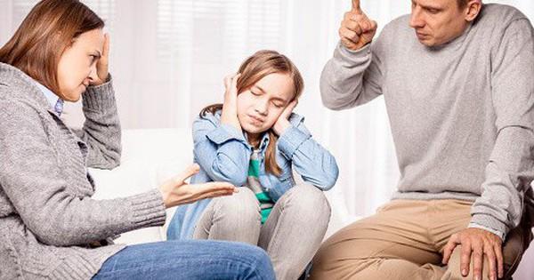 Điểm mặt 8 cách nuôi dạy trẻ sai lầm nhưng các bậc cha mẹ lại thường sử dụng: Thắc mắc vì sao con quá hư? Hãy nhìn lại chính mình