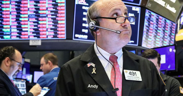 S&P 500 và Nasdaq đồng loạt chạm đỉnh, Dow Jones diễn biến tiêu cực khi Boeing và Caterpillar thua lỗ