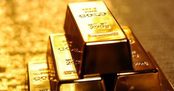 Tồn kho gần 5.000 tỷ đồng, cổ phiếu PNJ lên đỉnh 1 năm trong bối cảnh giá vàng tăng vọt