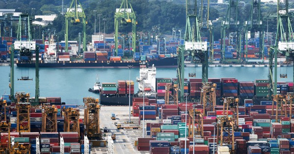 Xuất khẩu tăng nhờ thương chiến Mỹ - Trung, Việt Nam ''tắc cảng'', ngành logistics chịu áp lực lớn