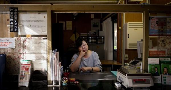 Kinh tế Nhật Bản bị chia rẽ sâu sắc, chính phủ ''đau đầu'' không tìm thấy hướng đi: Dòng người bỏ quê lên thành phố không có dấu hiệu chững lại, người già sống trong sợ hãi ở những khu vực đang ''chết dần''