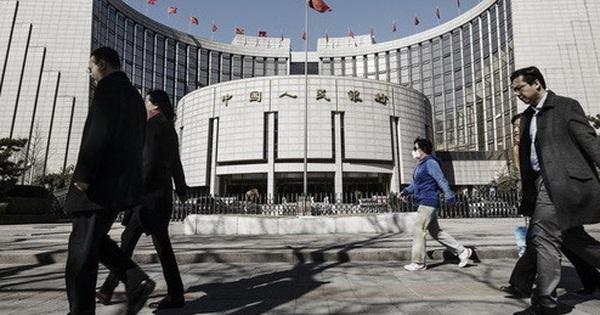 """Trung Quốc công bố con số gây sốc: Hơn 10% các ngân hàng thuộc nhóm """"rủi ro cao"""""""