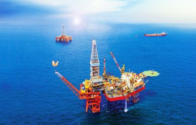 """Giá dầu tụt mạnh, PVN triển khai các giải pháp """"thắt lưng buộc bụng"""""""