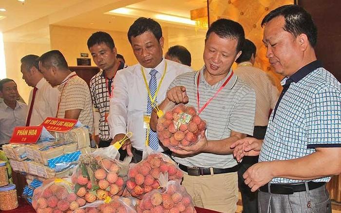 Thương nhân Việt bất ngờ với nhiều quy định mới của Trung Quốc