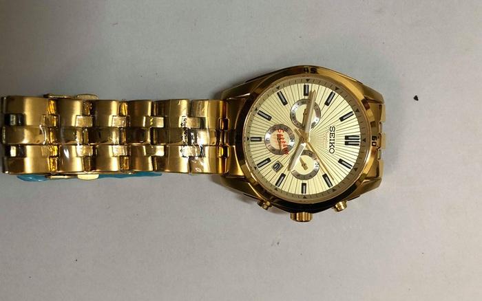 Tịch thu hơn 5.000 đồng hồ đeo tay mang nhãn hiệu Chanel, Rolex, Gucci,... để xác minh nguồn gốc