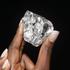 Tìm thấy viên kim cương khổng lồ 910 carat tại Châu Phi