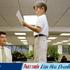 Làm việc với sếp nhỏ tuổi hơn - khó hay dễ?