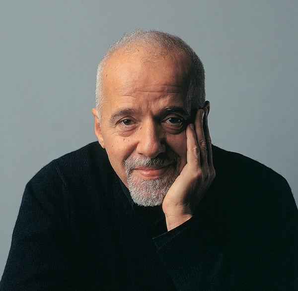 Nếu khủng hoảng hay khó khăn bạn có thể lắng nghe những câu nói đầy ý nghĩa của nhà văn Paulo Coelho.