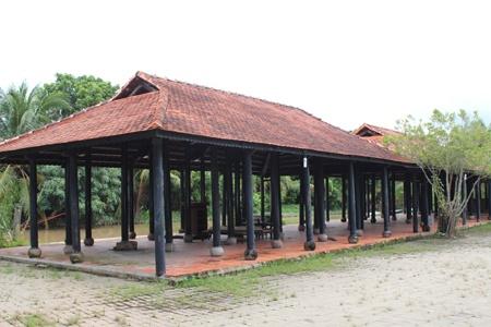 Khu du lịch Thới Sơn với nhiều hạng mục dang dở (nguồn ảnh Internet).