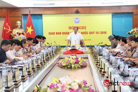 Trong kết luận hội nghị giao ban,Bộ trưởng Bộ TT&TTTrương Minh Tuấn đãgiao Thứ trưởng Hoàng Vĩnh Bảo chủ trì chỉ đạo các đơn vị sửa gấp hai Thông tư 25 và 17 của Bộ.