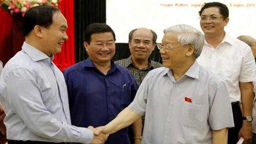 Tổng Bí thư Nguyễn Phú Trọng tiếp xúc cử tri tại quận Hoàn Kiếm - Hà Nội. Ảnh: Như Ý