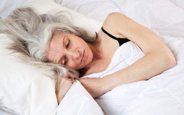 Hội chứng rò rỉ ruột khiến mẹ của tiến sĩ Axe không còn đủ sức chiến đấu với căn bệnh ung thư vú. (Ảnh: Telegraph)
