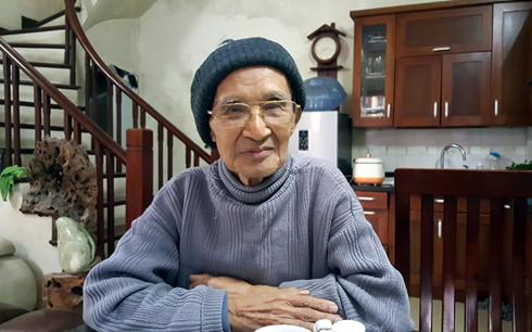 Cụ Nguyễn Huy Ứng tính từng này, từng tháng để được trở về tái định cư.