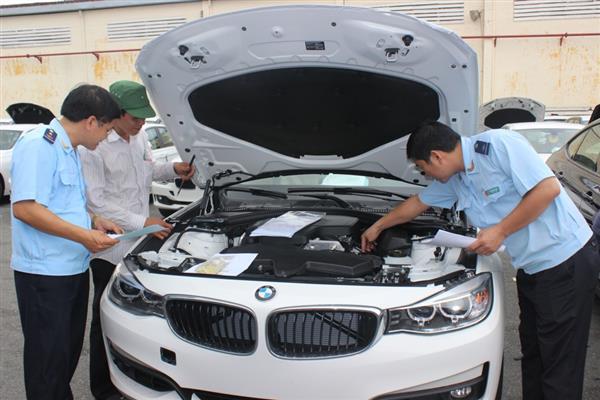 Bộ Tài chính đang lệnh quản chặt ô tô nhập.