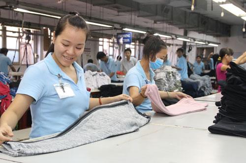 Xác định chính xác nhu cầu sống tối thiểu của người lao động thì mới có thể xây dựng chính sách tiền lương phù hợp Ảnh: KHÁNH AN