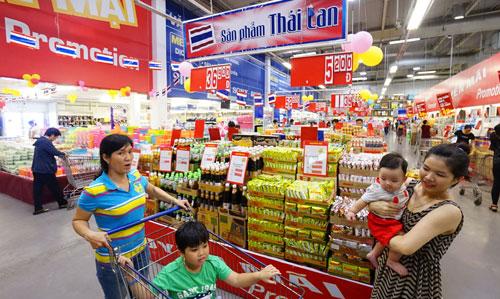 Hàng hóa của Thái Lan được bán tại siêu thị Metro An Phú (tên cũ của MM Mega Market; quận 2, TP HCM) Ảnh: HOÀNG TRIỀU