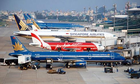Sân bay Tân Sơn Nhất đã vượt quy hoạch thiết kế 7 triệu khách.(Ảnh minh họa: KT)