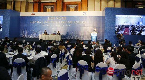 Lãnh đạo Hà Nội đối thoại với hàng trăm doanh nghiệp