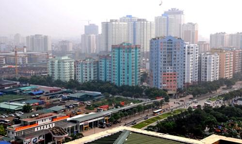 Chung cư, cao ốc trên đường Lê Văn Lương, Hà Nội. Ảnh: Hồng Vĩnh.