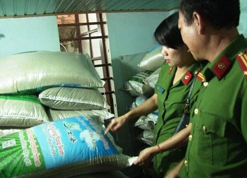 """Những bao chứa đỗ xanh này có tên tiếng Việt là """"Tiểu Minh"""" được ghi kèm thêm bằng chữ Trung Quốc và tiếng Anh."""