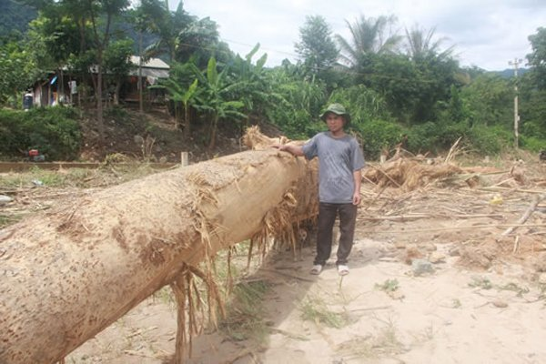 Sự cố vỡ van số 2 hồ chứa thủy điện Sông Bung 2 gây thảm họa ở Quảng Nam.