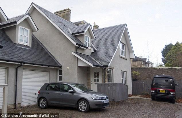 Ngôi nhà mới mà Gillian đã mua tặng hai mẹ con Jenny.