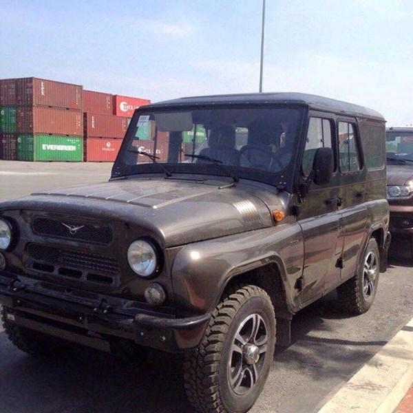Ngoài ra còn có cả mẫu chuyên dùng cho offroad là Hunter với thiết kế tương tự những mẫu xe UAZ được dùng trong quân sự trước đây