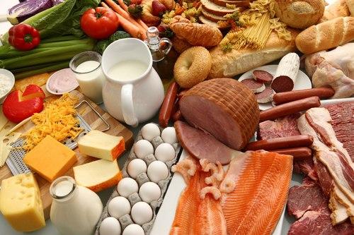 Chế độ ăn uống quá nhiều chất béo hoàn toàn không phải là lựa chọn thông minh đối với chị em phụ nữ. (Ảnh minh họa).